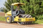 The 66.4-in. (168.7 cm)-wide Bomag BW177PDH-2 padfoot roller followed closely behind the MPH364-2 to provide initial compaction of the recycled lane.