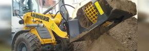 The MB-LS170 screening attachment is designed for wheel loaders and backhoe loaders weighing between 14,000 and 24,000 lbs. (6,350 and 10,886 kg).