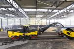 The adjacent demonstration grounds, spanning a football field in size with a roofed hall, holds about 400 seats, offers ideal conditions to demonstrate Bomag products in a real-life construction environment, and contains sufficient space to train customers on the machines.