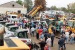 A record-breaking turnout of 874 registered ground bidders attended Sales Auction Company's largest sale to date with 1,217 lots.