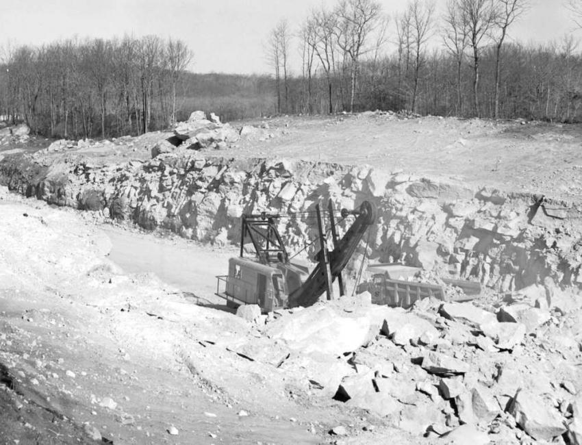 The aforementioned scene photographed on March 29, 1963, from the opposite bank of the rock cut.