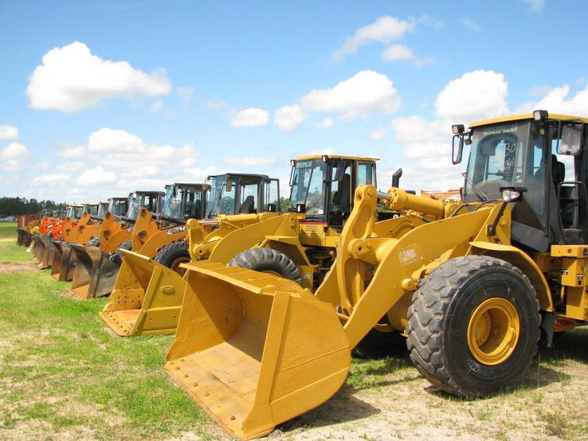 A terrific line-up of Cat, Case, Doosan and Deere wheel loaders was available at this sale.