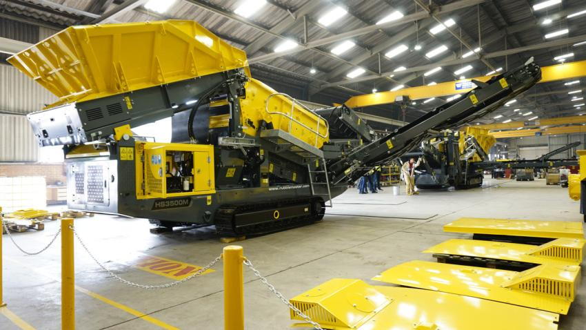 Rubble Master scalping screens at the final quality check point on the assembly line. (Rubble Master photo)