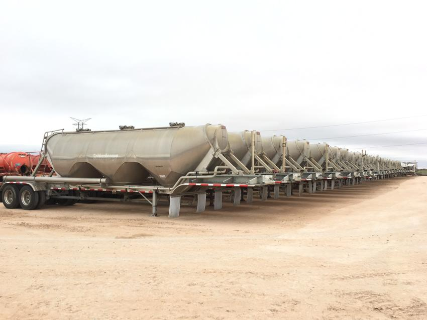 More than 22 aluminum pneumatic bulk trailers sold in the Oct. 10 auction.