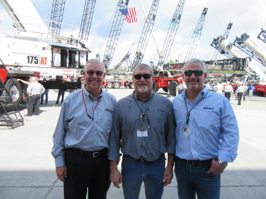 (L-R): Link-Belt's Skeeter Collins caught up with Keith Ernandez of United Infrastructure Group and Jeff Campbell of AME at the event.