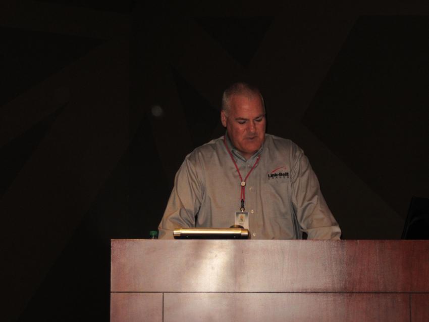 Link-Belt CEO and President Melvin Porter addresses the crowd at Link-Belt's CraneFest 2018.