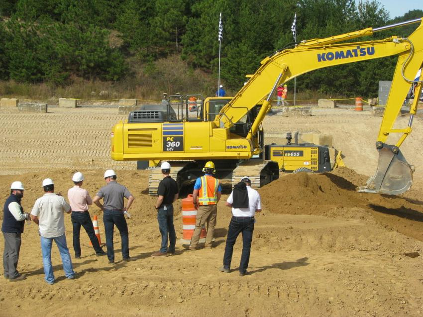 A bit of a line formed for demo time on some of the machines, including the Intelligent Machine Control excavators.
