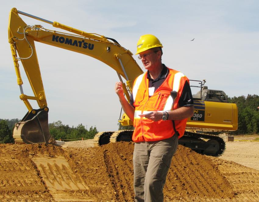 Komatsu's Bob Post goes over the key features of the entire lineup of machines on the site before demo time gets under way.
