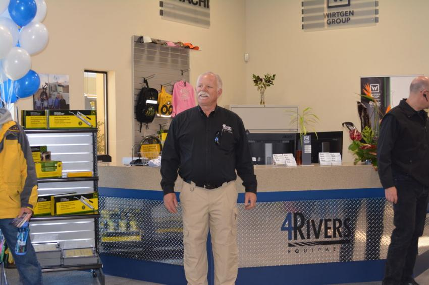 John Snider, 4Rivers Albuquerque branch manager, delivers a few opening remarks to employees and customers ahead of the official ribbon-cutting.