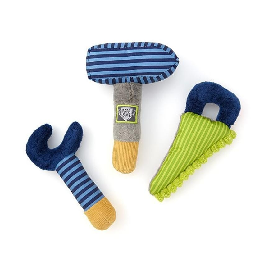 Put the littlest of your construction crew to work with these plush grasp toys. The machine-washable set, which crinkles when squeezed, comes with a hammer, wrench and saw, and is designed to capture your baby's attention and develop dexterity. A great find for ages 0 to 3. $20.00 https://bit.ly/2TcSUsT