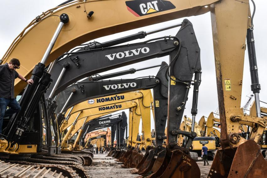 If you were looking for excavators, the Ritchie Bros. six-day auction was certainly the place to be. More than 800 excavators went on the auction block.