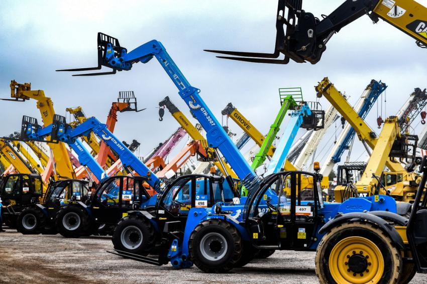An extensive selection of telehandlers and cranes went on the auction block.