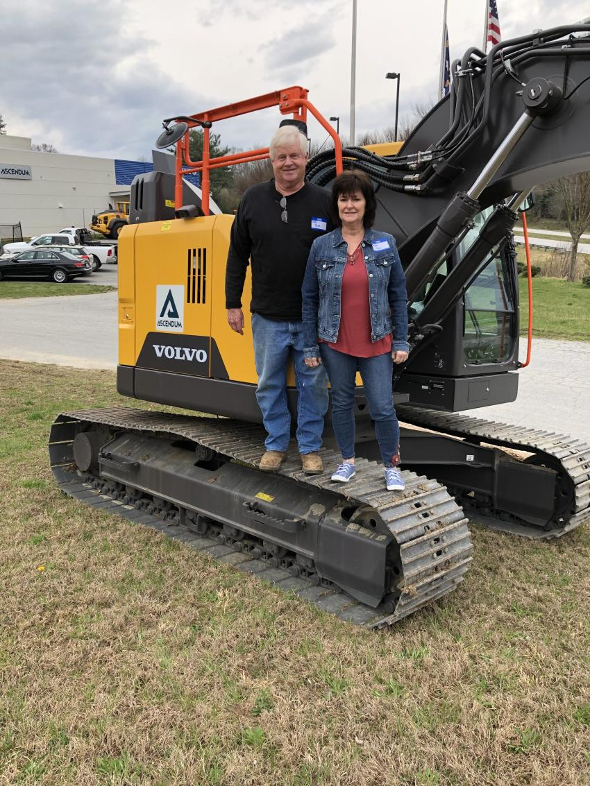 Jeff and Angela Reid of Jeffco Grading in Lenoir, N.C., like the compact design of the ECR145E Volvo excavator, which offers a short swing radius for operating in confined spaces without compromising on performance.