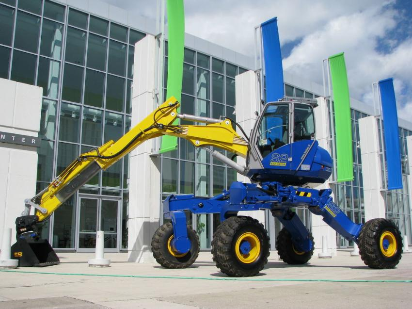 The venue for most of the events at the 2019 APWA Florida Chapter Public Works Expo was the Ocean Center in the heart of Daytona Beach, Fla. Perched in front of the facility was a Kaiser S2 4x4 Gator from Great Southern Equipment.