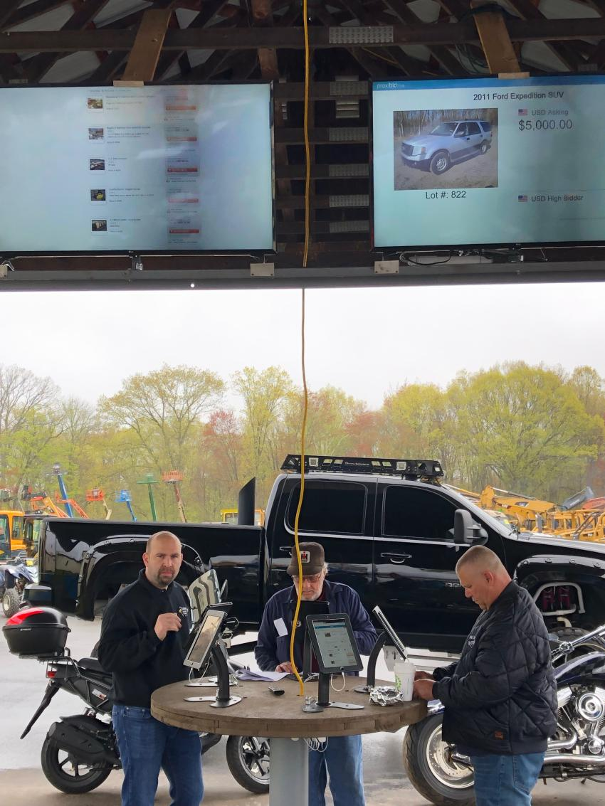 The nearly 900 registered bidders were able to conveniently register and bid as well as track sale items from tablets and monitors at strategic locations across the sale site.