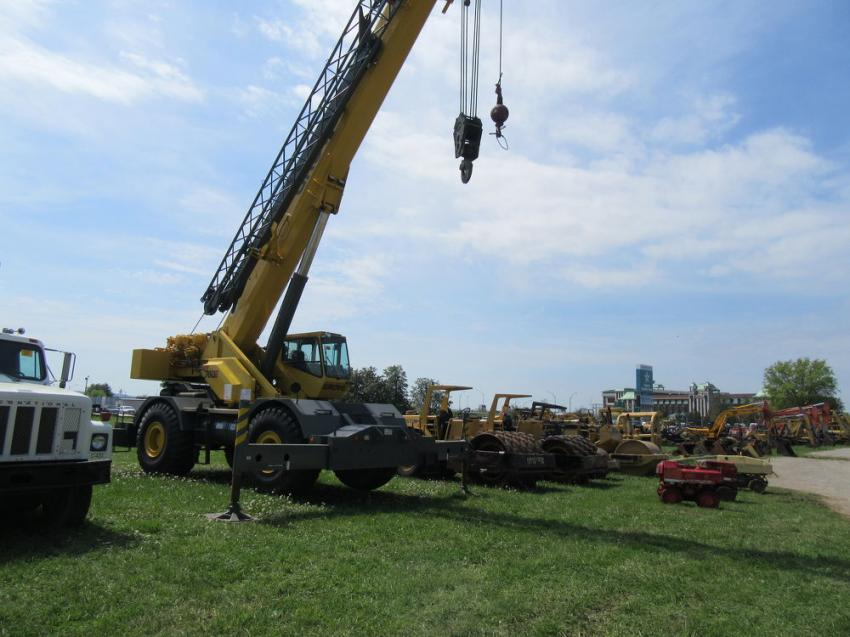 A Grove RT760E rough-terrain crane captured a good deal of attention and bidding activity.
