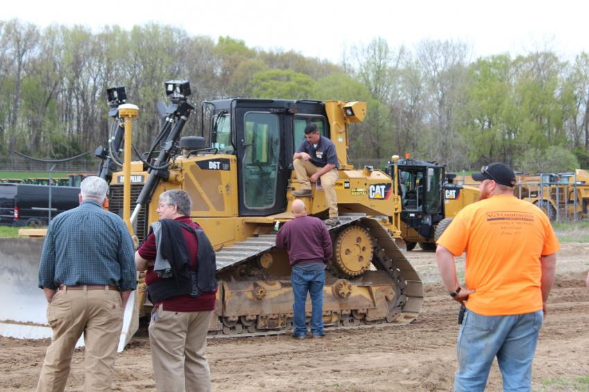 Dale Eriksen of H.O. Penn explains the features and benefits of the Cat D6T dozer.