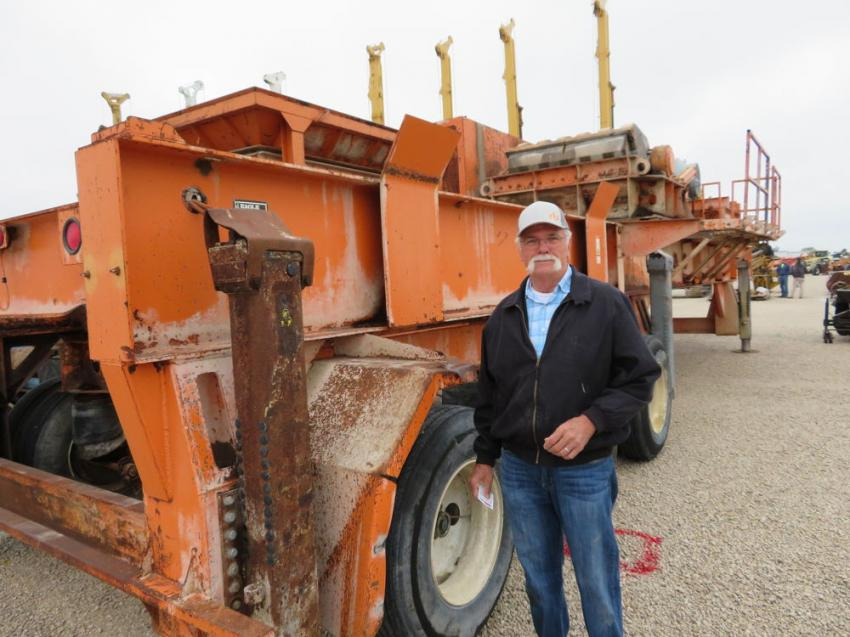 Doug Eakins of D.S. Eakins checks over this Eagle 1600 crushing plant.