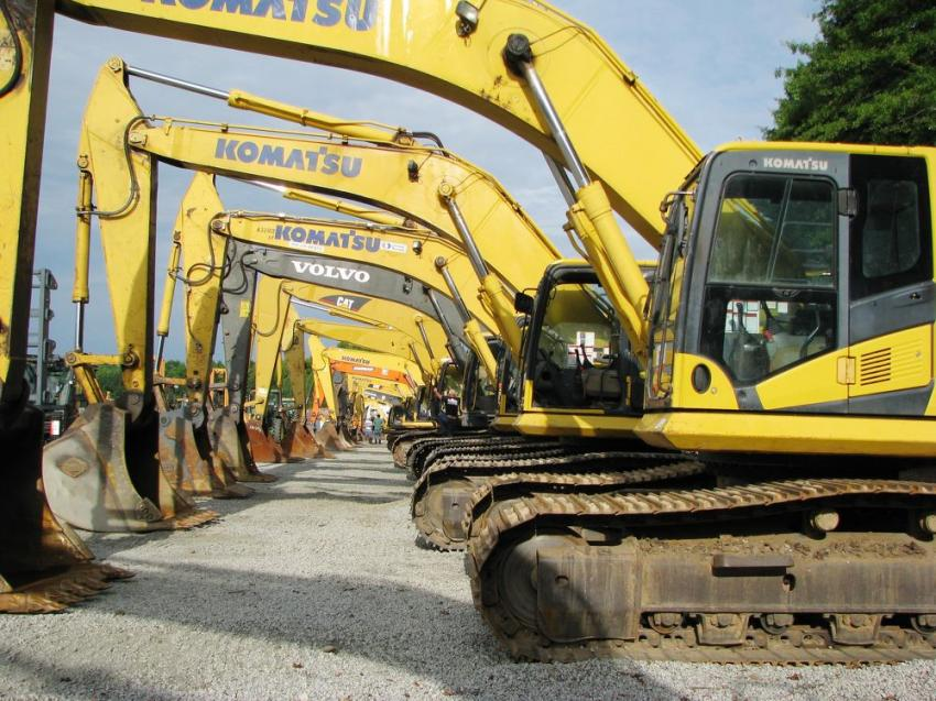 A stellar selection of hydraulic excavators from manufacturers such as Caterpillar, Komatsu, Volvo, Doosan, John Deere and Kobelco were available at this sale.