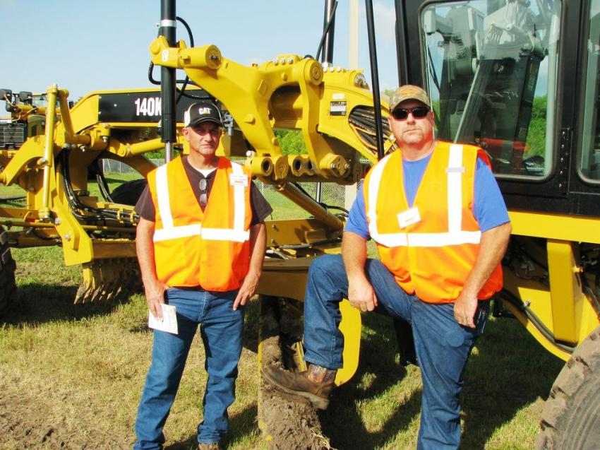 Ready to tackle the course challenges are Mike Myers (L) and Robert Legg of the city of Lakeland, Fla.