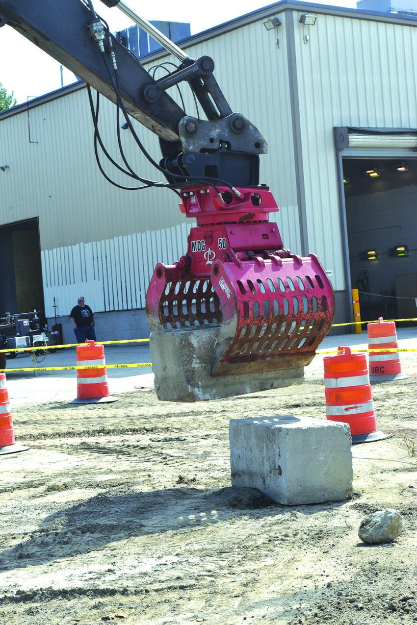 Chadwick-BaRoss is the authorized distributor of LaBounty for much of the New England market.  Here, the brute strength of the LaBounty hydraulic grappling system is demonstrated.