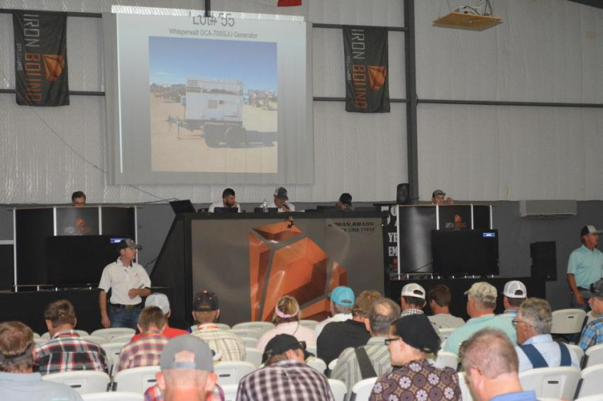 Hundreds of onsite bidders battled for needed equipment along with the usual strong showing from online buyers.