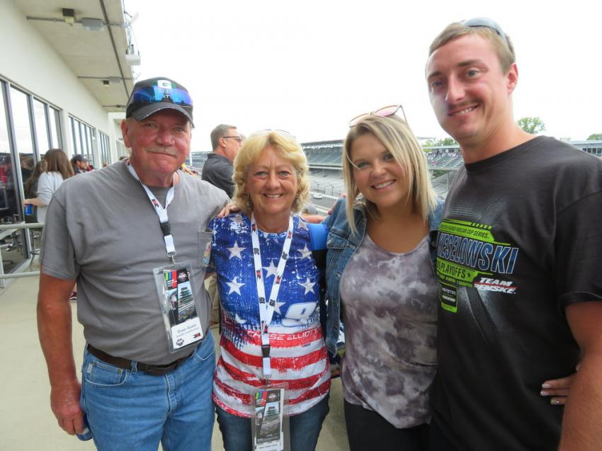 (L-R): Steve Robertson of Goettle Construction with his wife, Wanda, enjoy the festivities with Morgan Long and Brett Robertson.