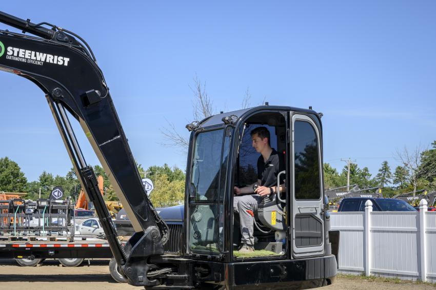 Steelwrist representative Andrew Perkins demonstrating the capabilities of the Volvo ECR88 excavator.