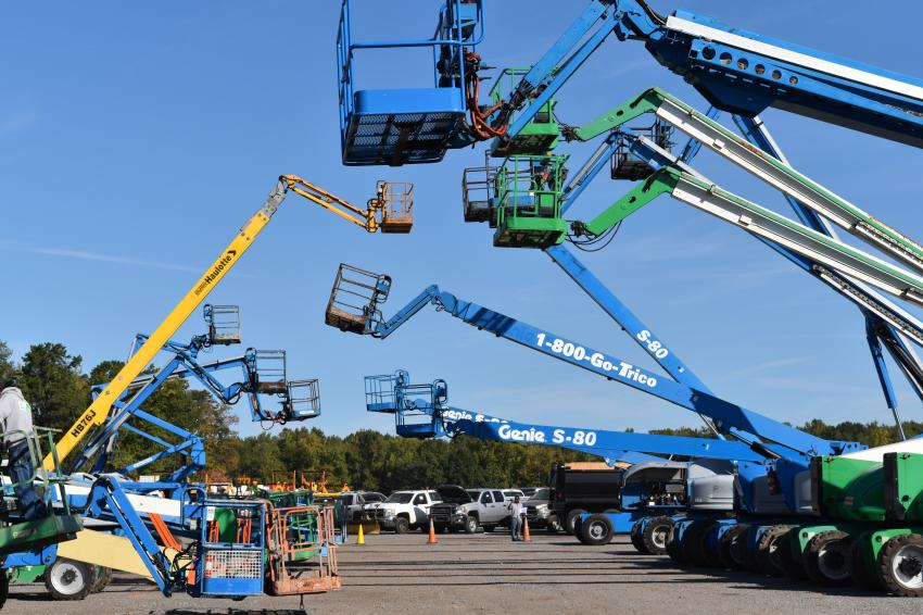 During the auction, 180 aerial work platforms went to the highest bidder.