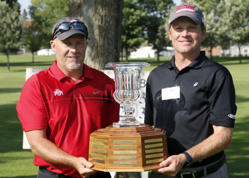 Putting champions from the 2019 GOMACO Invitational were Derek Dilger (L) of Smith Paving and Excavating Inc. and David Barthel of Faris Machinery.