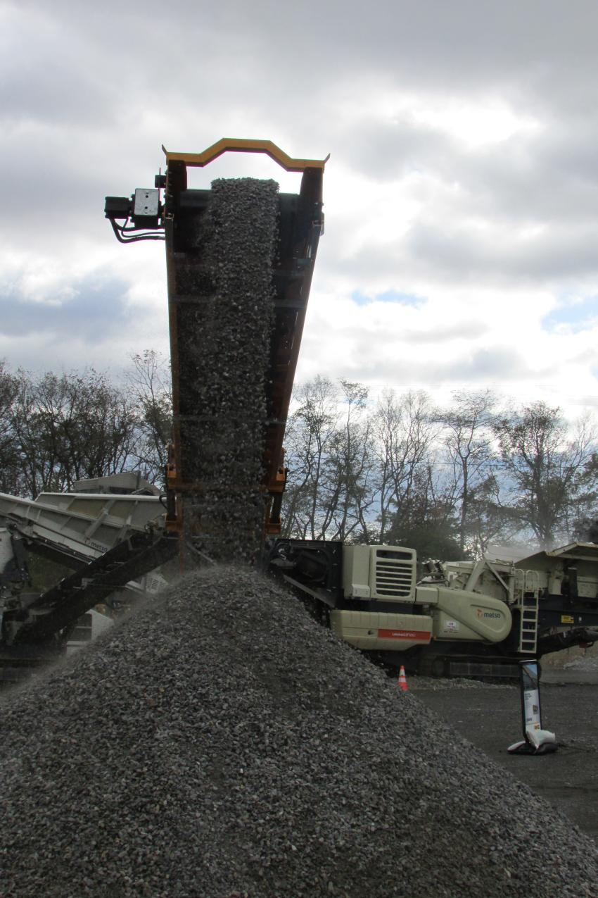 A Barford R6536TR track conveyor stockpiles 1-in. product during the demo.