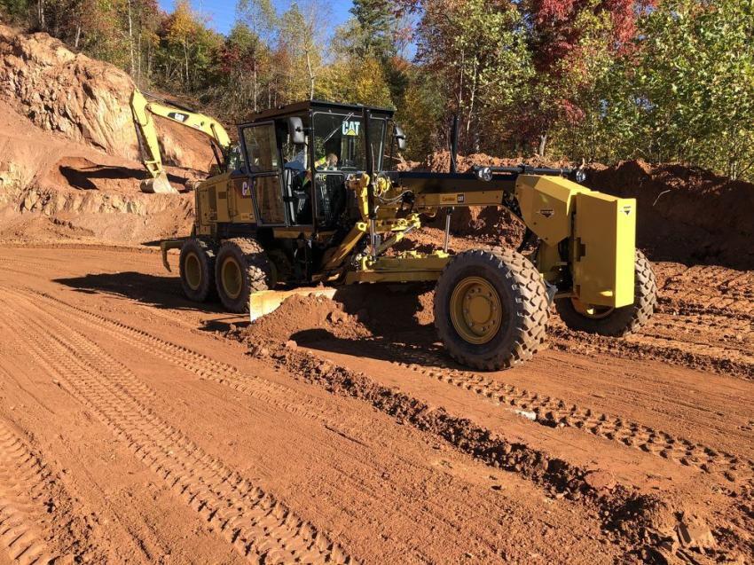 Trying out the Cat 140 motorgrader.