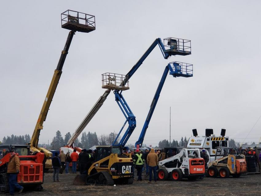 J. Stout Auctions sold nearly 700 pieces of heavy equipment, commercial trucks and industrial tools at its latest November live auction in Spokane, Wash.