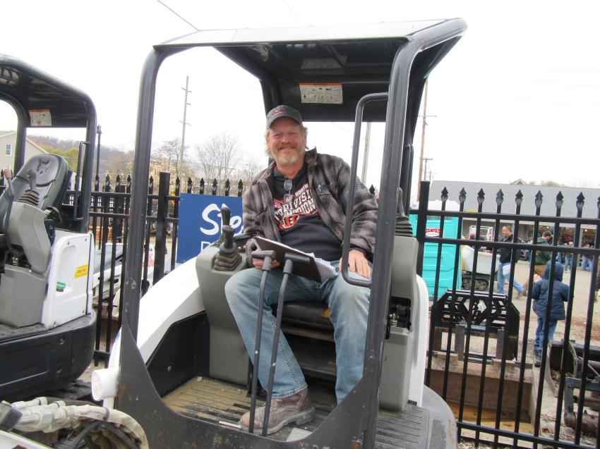 Bruce Ohe of Blau Mechanical purchased this Bobcat E26 compact excavator at the auction.