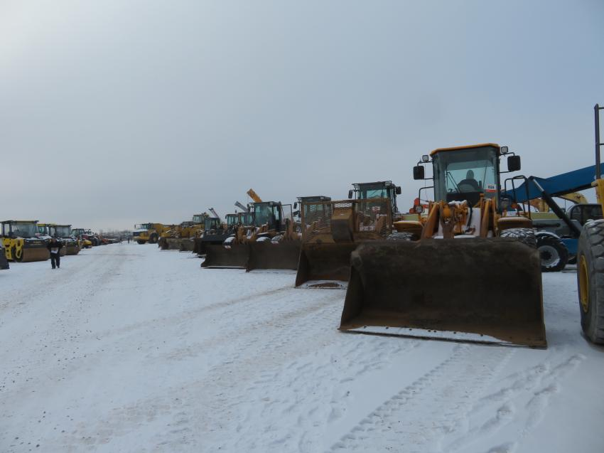 There were plenty of wheel loaders to bid on at the end of the year in Morris, Ill.