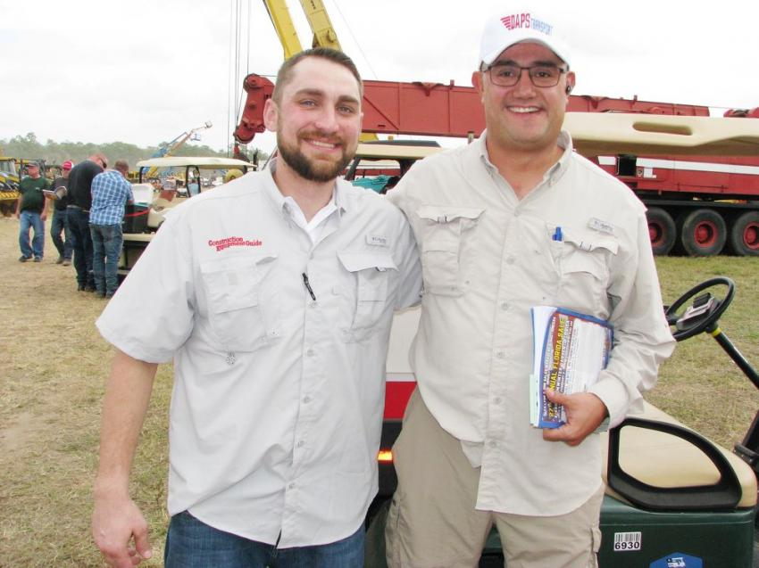 Joshua Phillips (L) of CEG with customer Diego Diaz Bonilla of DAPS Transport based in Houston, Texas.