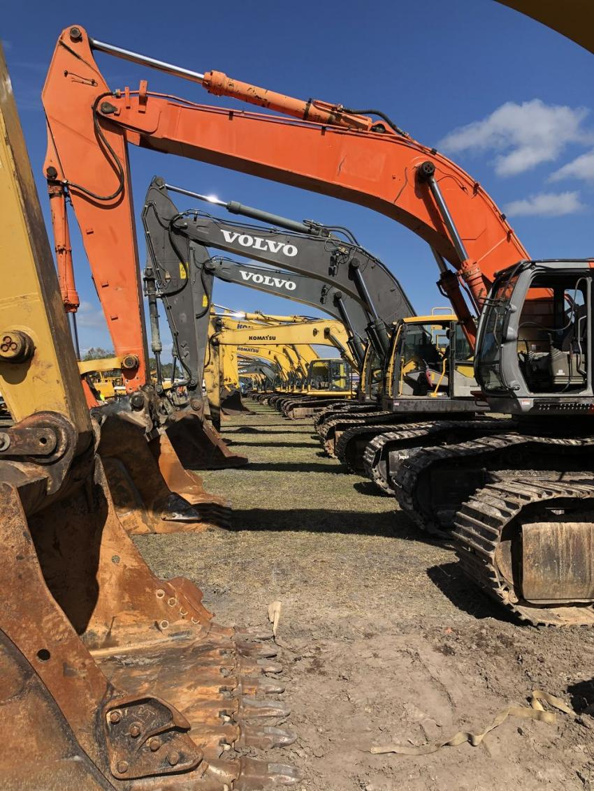 There were many excavators for the contractors to choose from.