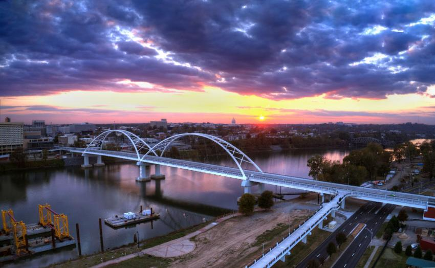 Major span merit winner: Broadway Bridge over the Arkansas River, Little Rock/North Little Rock, Ark. (Trey Cambern photo)