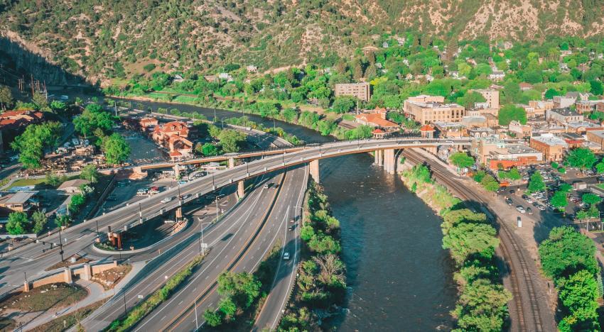 Medium span national winner: Grand Avenue Bridge, Glenwood Springs, Colo. (Davis Deaton photo)