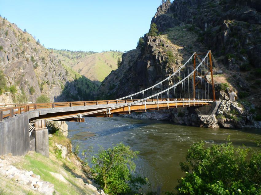 Long span national winner: Manning Crevice Bridge, Riggins, Idaho. (Ken Saindon photo)