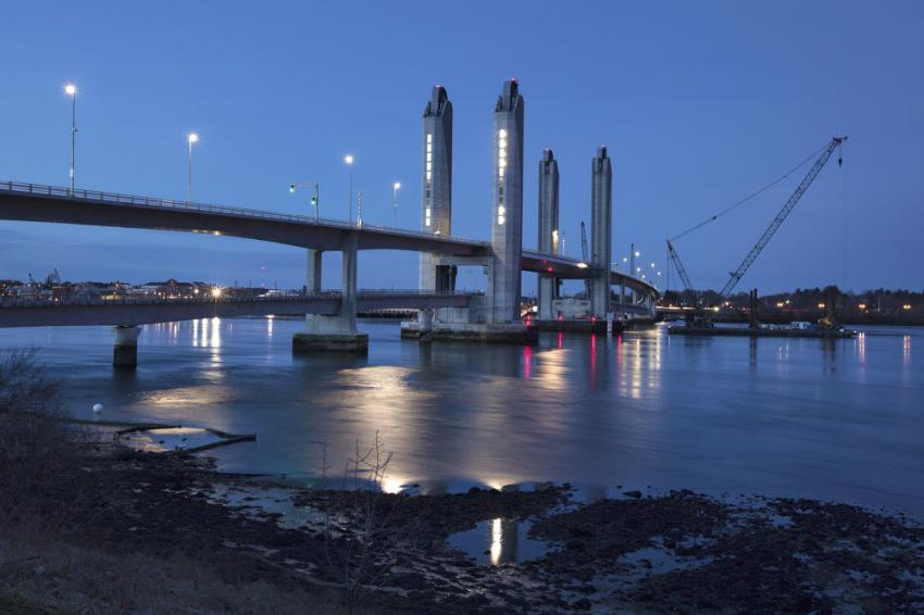 Movable span national winner: Sarah Mildred Long Bridge, between Kittery, Maine and Portsmouth, N.H. (Maine DOT photo)
