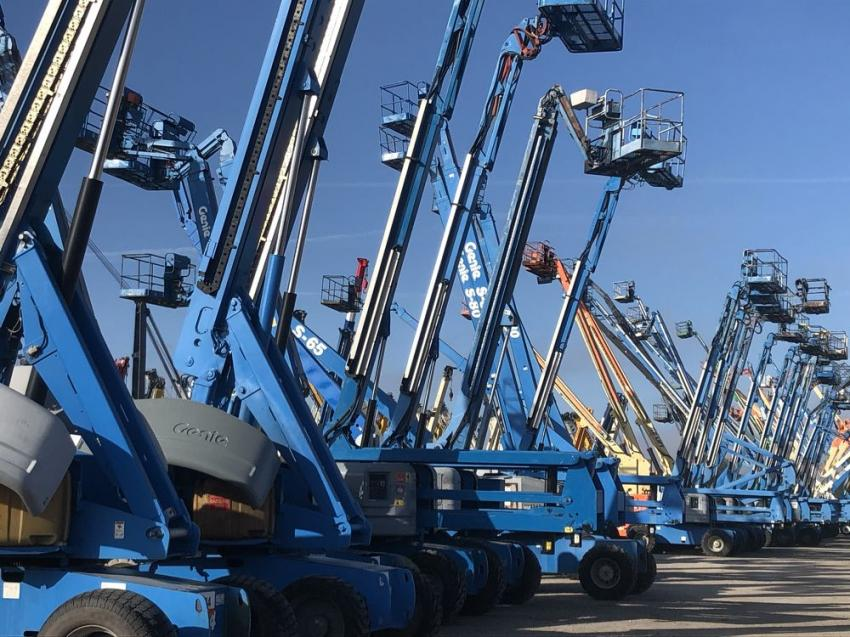 More than 300 aerial lift were available to the highest bidder from all across the globe.
