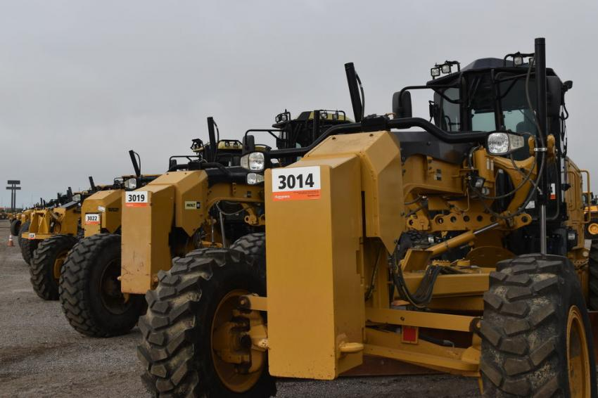 More than 800 owners of equipment, including the largest equipment dealers in the United States, trusted their most valuable assets to the auctioneering hands of Ritchie Bros., including this great lineup of motor graders.