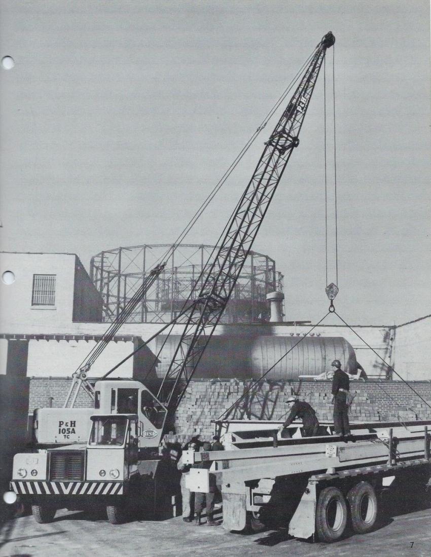 P & H 105-ATCX truck crane — 1958 (P & H TX-159B  —  HCEA photo)