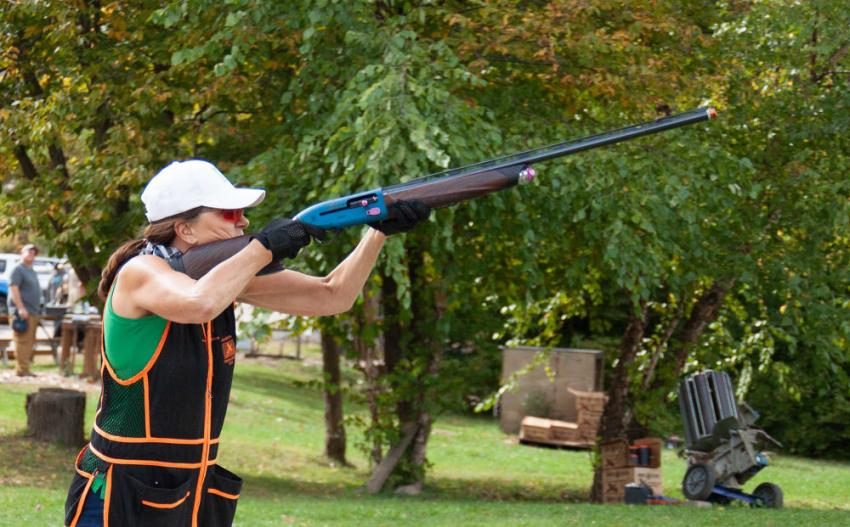 Jean Scott of Scott Build was one of more than 200 shooters who took part in the AGC of Minnesota's annual fundraising event.