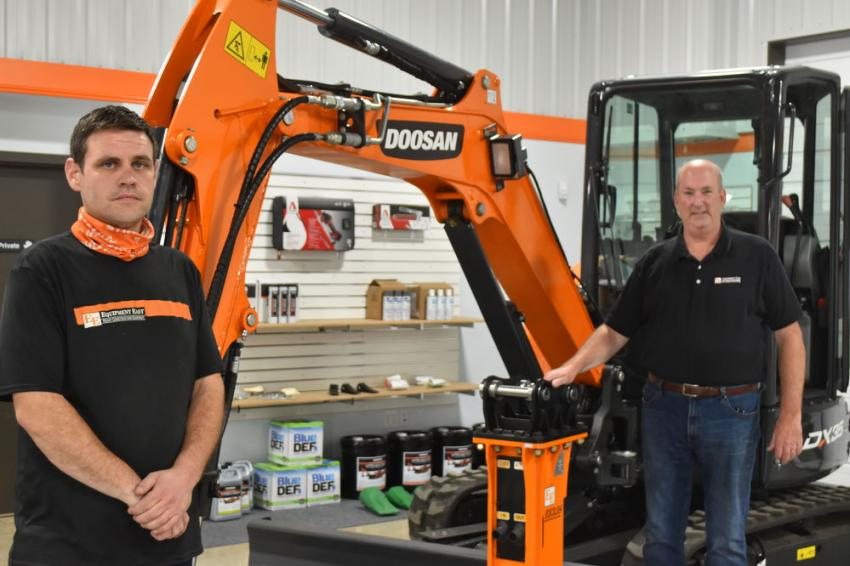 Tim Elliott (L), Equipment East hydraulic technician, and Brian Wilder, branch manager.