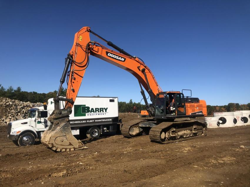 To guarantee that machines receive all of their scheduled lubrication and oil services, Barry Equipment offers on-site lubrication services.