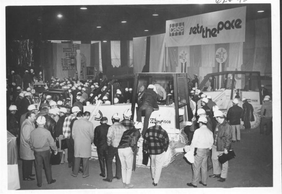 Total attendance at ConExpo 1975 exceeded 140,000 and compares to a total of 125,000 that attended the last show in 1969.