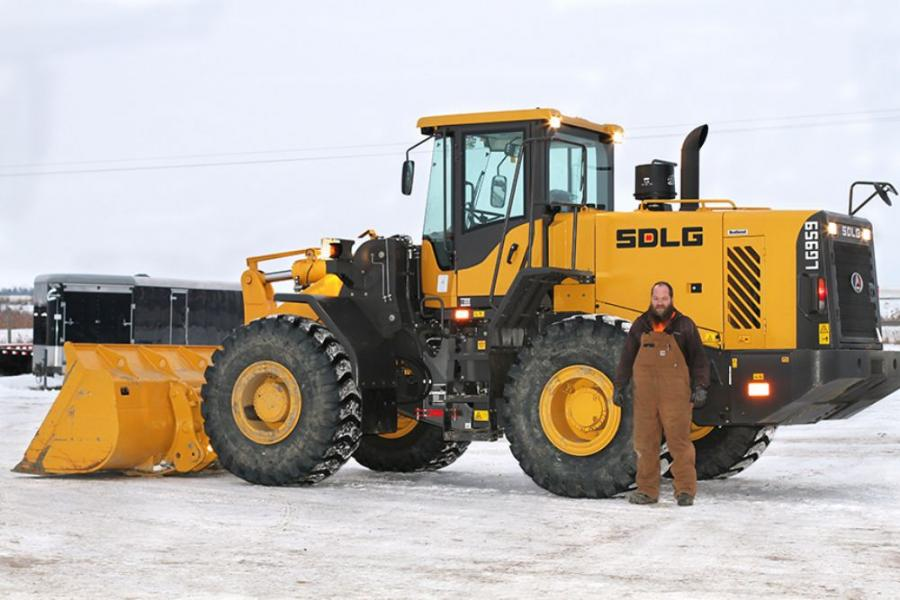Cole Koch, superintendent and part-owner of the family-operated company, said he found the LG959 to be an ideal machine for Double K's needs, especially given the unique demands of the region's seasonal demands.