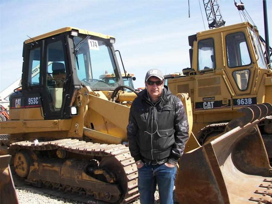 Cat Auction Services Welcomes Guests to Minneapolis Sale